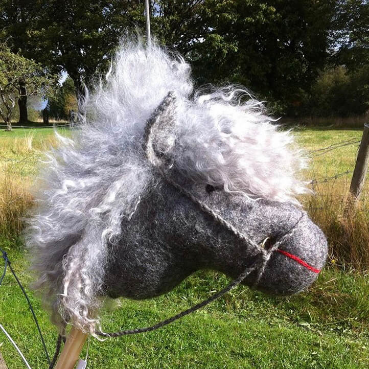 Käpphäst med lammull